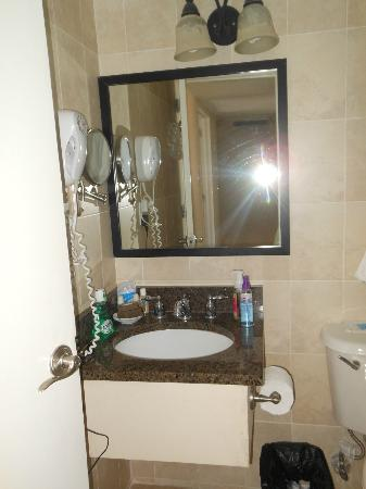 Divi Southwinds Beach Resort: bathroom