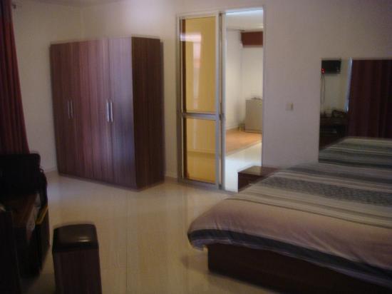 Hotel De La Pergola: La chambre