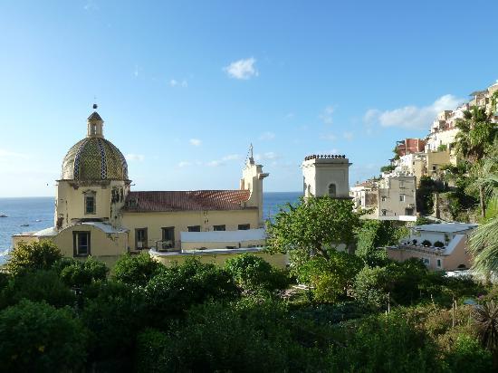 Hotel Palazzo Murat: View towards the sea