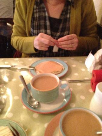 Kynd Kittocks Kitchen: Nice real tea
