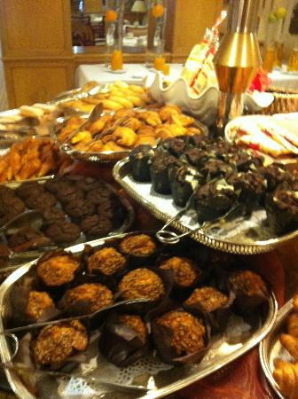 Los Monteros Spa & Golf Resort GL: Breakfast muffins!