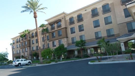 Radisson Hotel Yuma: facade
