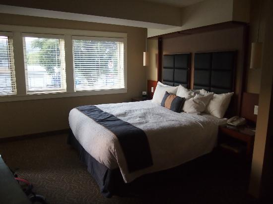 Coast Penticton Hotel: Bedroom