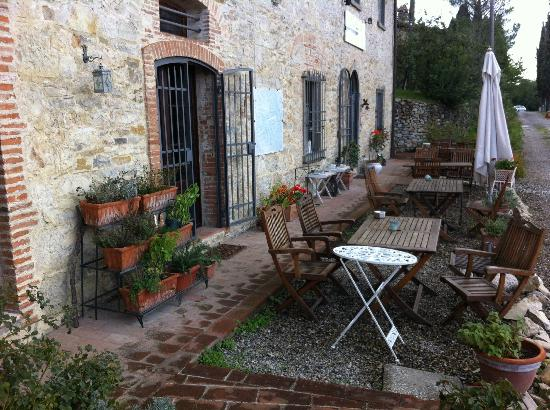 Residenzia del Sogno: Lovely sitting area to sip Chianti and watch the sunset