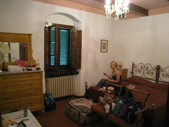 Agriturismo Casanova - La Ripintura: Another shot of the adult room - family room.