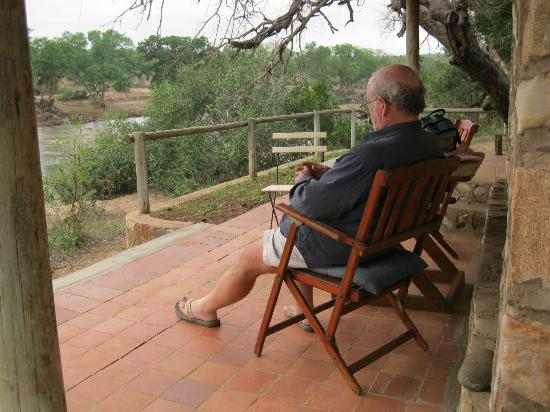 Mfubu Lodge and Gallery : Vieew from the veranda of the Stone Cottage at Mfubu Lodge