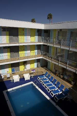 BEST WESTERN PLUS Hollywood Hills Hotel: pool