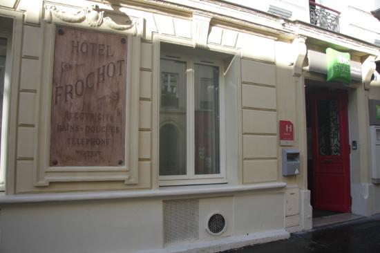 ไอบิสสไตล์ปารีส ปิกัลล์มงต์มาตร์: Ingresso hotel