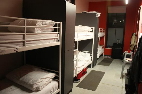 Hostelling International - Boston: Six person shared dorm