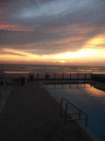 Daytona Shores Inn and Suites: The views from the room and terrace are amazing!
