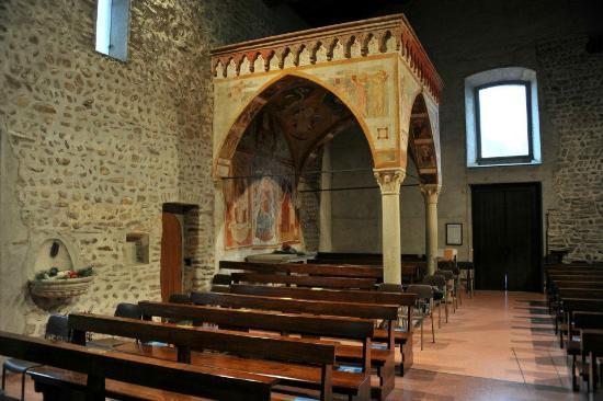 Chiesa Santo Stefano Bizzozero.Interno1 Foto Di Chiesa Di Santo Stefano Varese Tripadvisor
