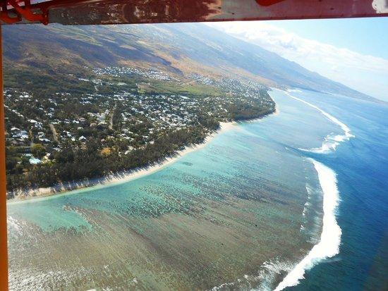 Planetair974: Au dessus du lagon , côte ouest de l'île de La Réunion