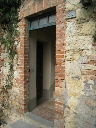 Castello di Fonterutoli: Door to our building in Locanda