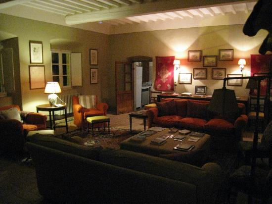 "Castello di Fonterutoli: ""Man Room"" in the evening"