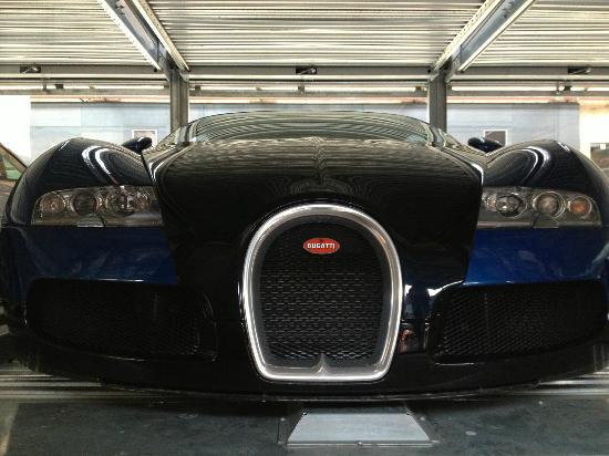 Classic Remise Berlin: Lovely Veyron sitting in here secured away.