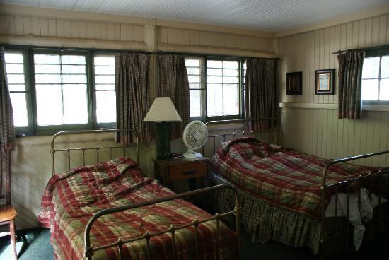 Half Dome Village: Room