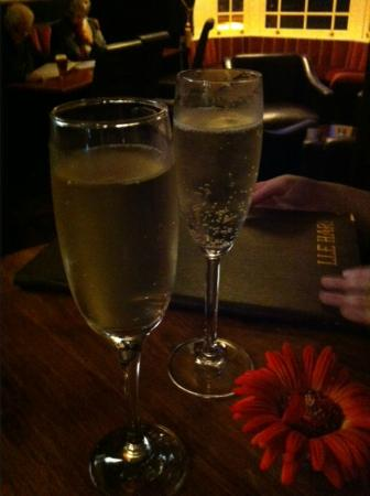 The Meadowsweet Hotel : Champers