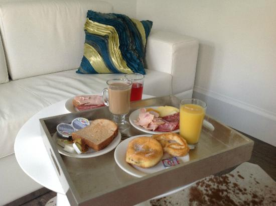 Ithaca of South Beach Hotel: Our breakfast