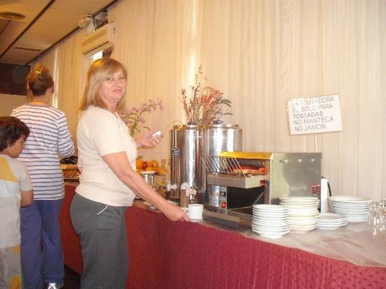 Gran Hotel San Luis: Desayunando