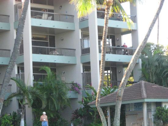 Hale Mahina Beach Resort: B 206 second floor last unit on right.