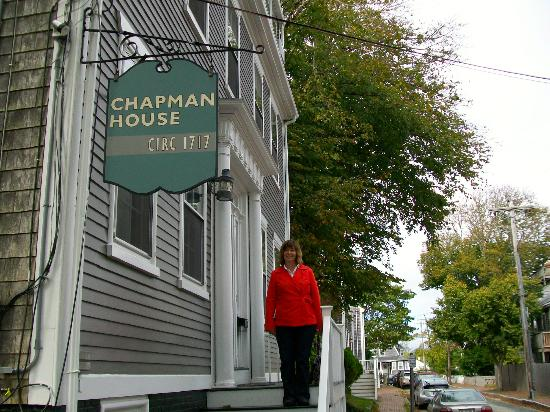 The Chapman House: Entrance