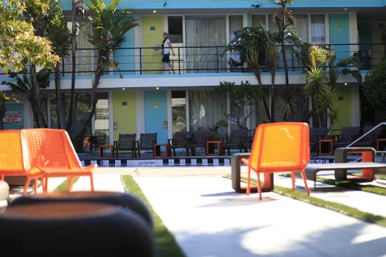 Phoenix Hotel, a Joie de Vivre hotel: Retro chic (from pool to room 43)