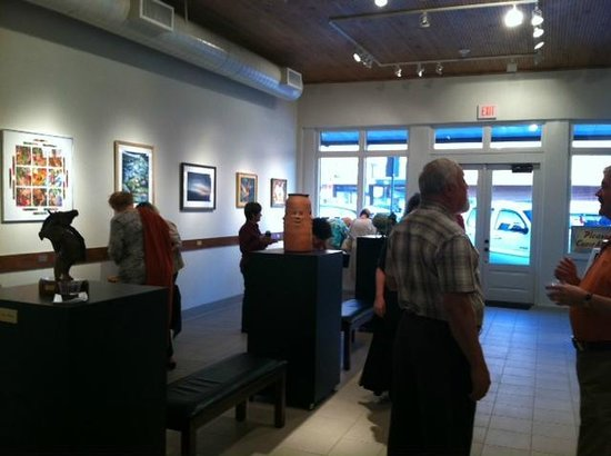 Conroe Art Gallery:                   paintings & 3D art