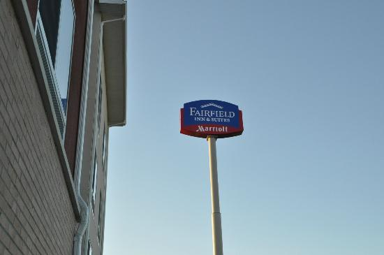 Fairfield Inn & Suites Paducah: Signage Outside