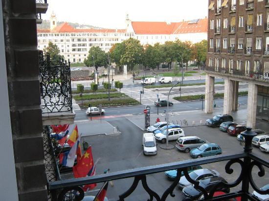 Regency Suites Hotel Budapest: vue de la chambre