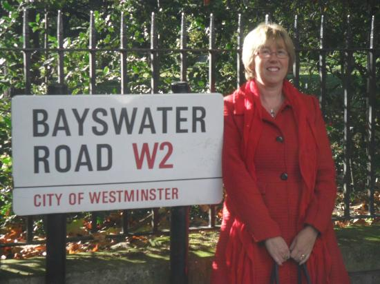 Corus Hotel Hyde Park London: Me on the Bayswater Road.