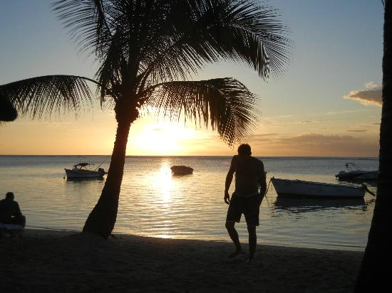 LUX* Le Morne: Beautiful sunset guaranteed