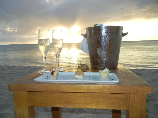 LUX* Le Morne: Sparkling sunset