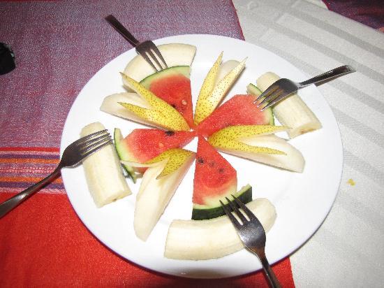 Michell Sapa Restaurant: A fruit plate