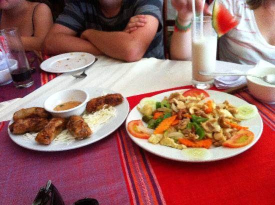 Michell Sapa Restaurant: Quickly taken before swallowed