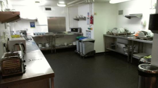 YHA London Central: Kitchen