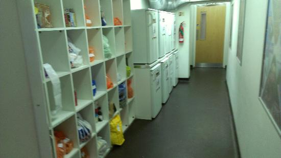YHA London Central: Food storage