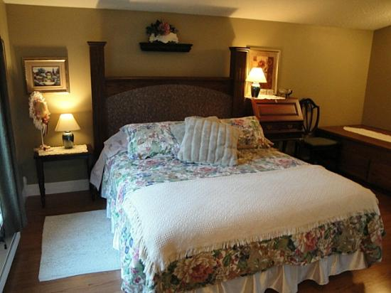 7 Acres Bed & Breakfast: the Spring room