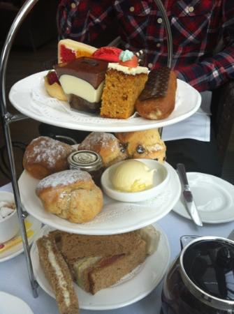 The Restaurant at Sopwell House: afternoon tea at the terrace bar