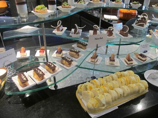 Radisson Blu Plaza Delhi: The amazing deserts