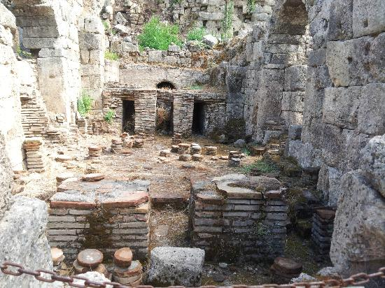 Phaselis Antique City: bath house