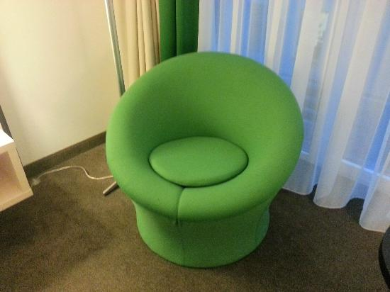 Park Inn By Radisson Brussels Midi: Stylish Chairs In The Room