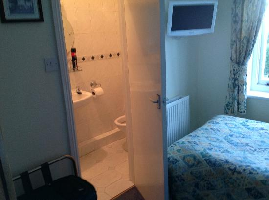 Ardmore House: Bathroom