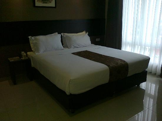 Vio Pasteur Bandung (Managed by Dafam Hotels): Deluxe King room