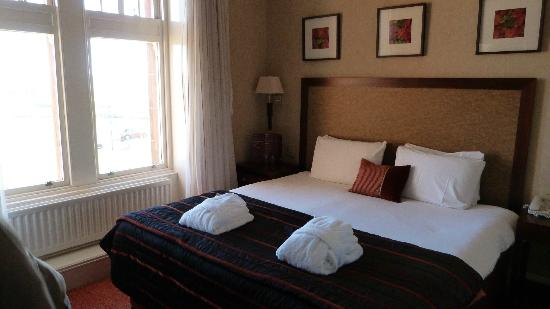 The Marine Hotel: Bedroom