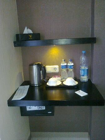 Vio Hotel Pasteur: Coffee tea maker