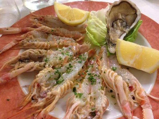 Il Ceppo: crudo di pesce (scampi e ostriche)