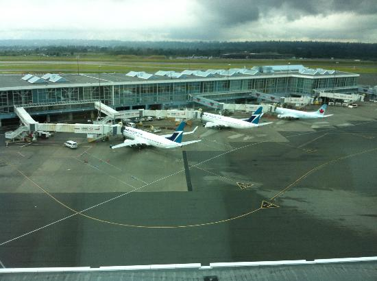 Fairmont Vancouver Airport: the view from our room