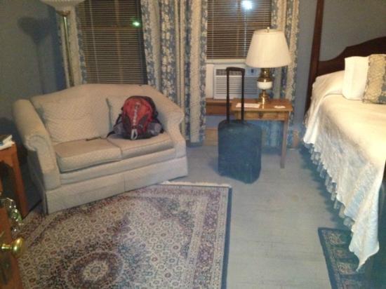 McCloud Hotel: Room