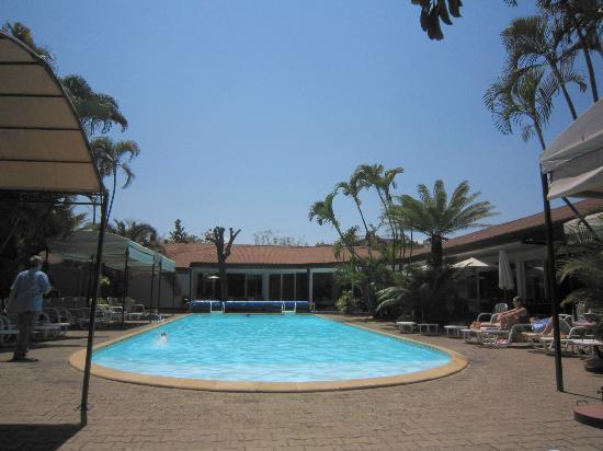 Le Relais des Plateaux: View of the pool.