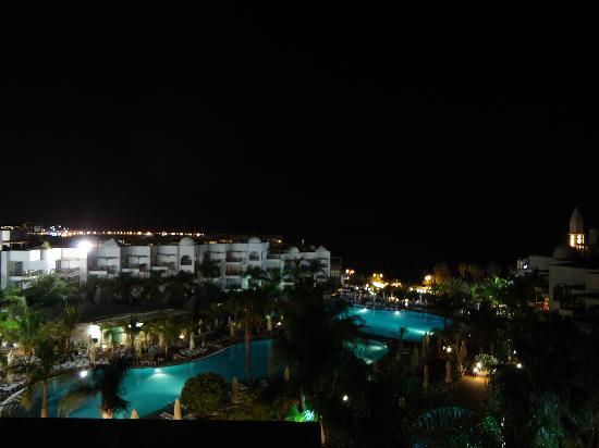 Princesa Yaiza Suite Hotel Resort : VISTAS NOCTURNAS DESDE NUESTRA HABITACION